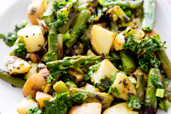 Asparagus_sweet_potato_hash_a_house_in_the_hills_102