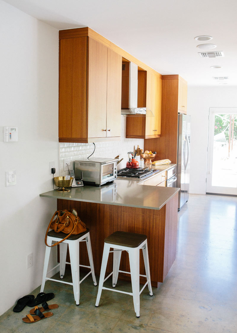 a_house_in_the_hills_kitchen-1