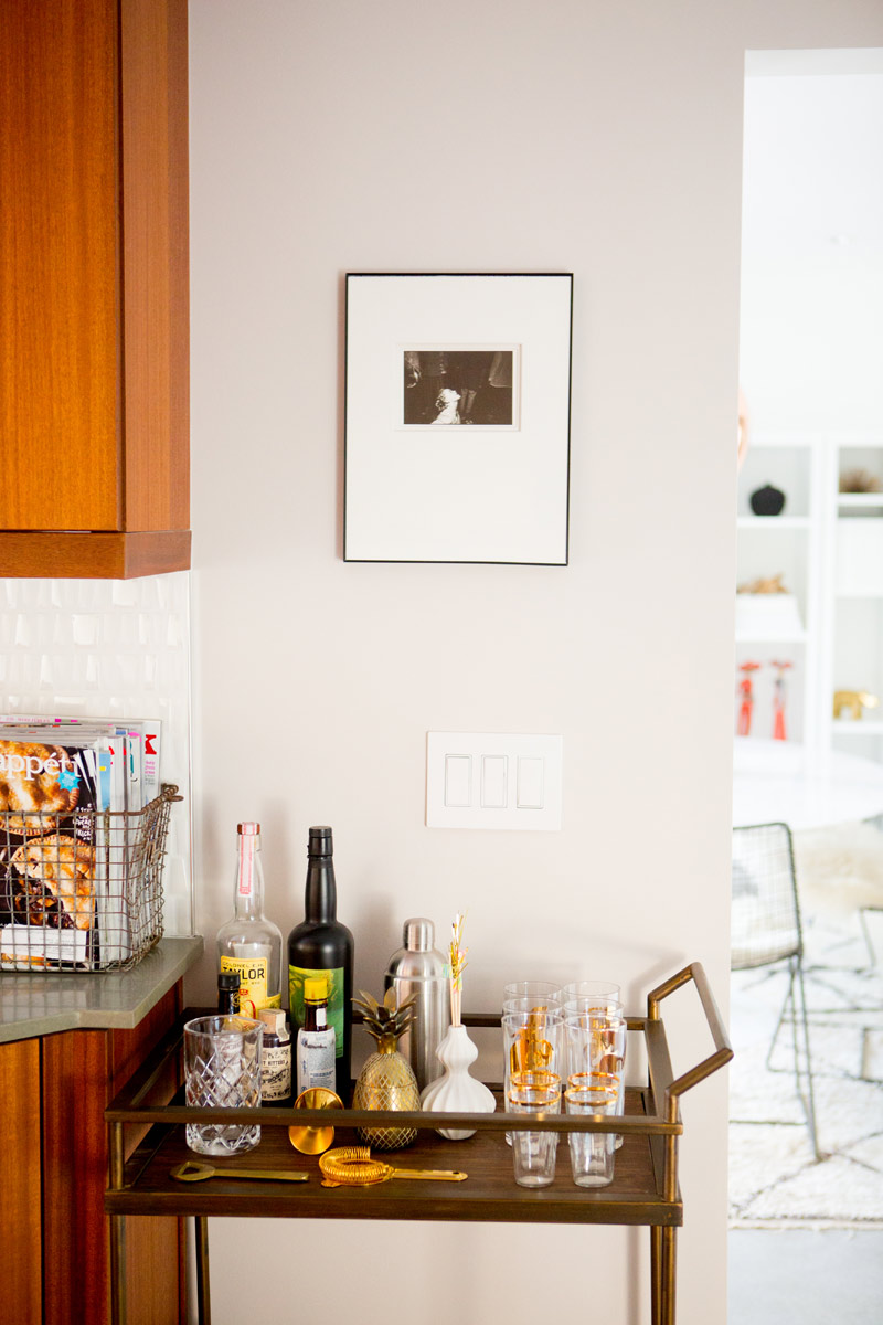 a_house_in_the_hills_kitchen-10