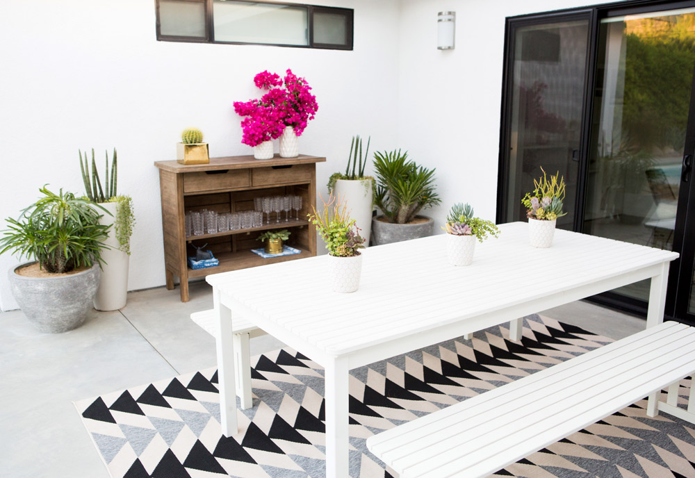 a_house_in_the_hills_modern_patio_makeover-14