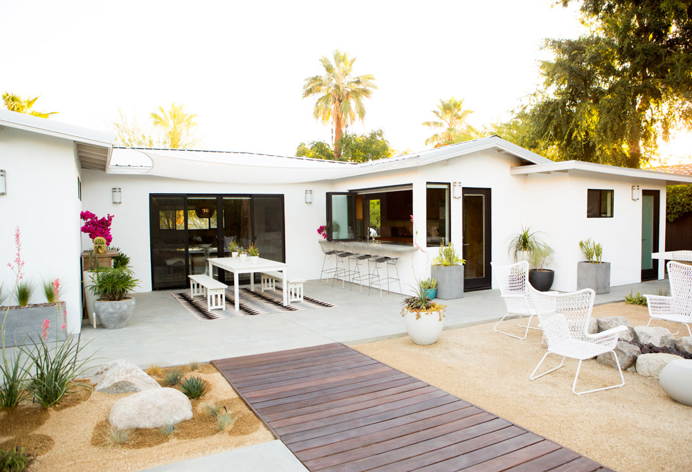 a_house_in_the_hills_modern_patio_makeover-20
