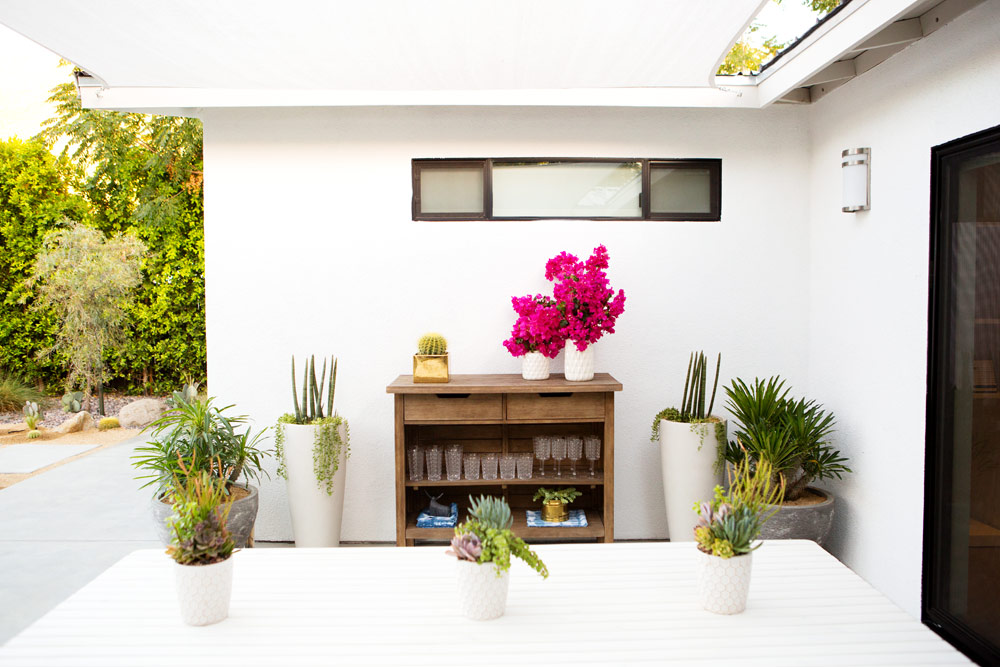 a_house_in_the_hills_modern_patio_makeover-3