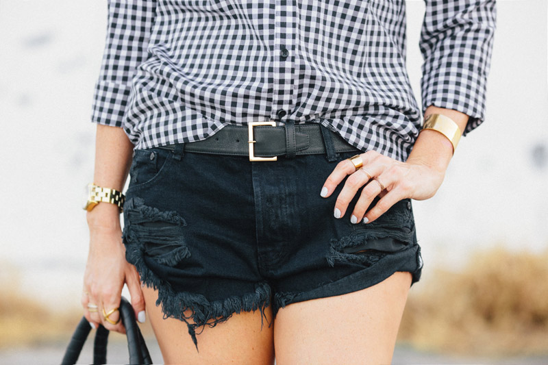 one_teaspoon_bandit_shorts_black_A_House_in_the_Hills-3b