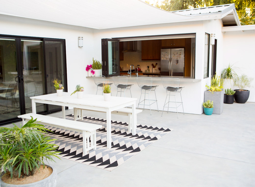 a_house_in_the_hills_modern_patio_makeover-17