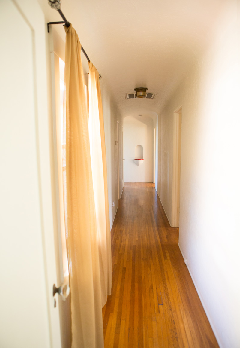 a_house_in_the_hills_empty_house_tour-10