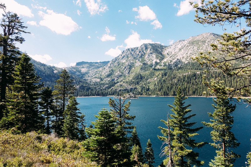 lake_tahoe___A_HOUSE_IN_THE_HILLS-815